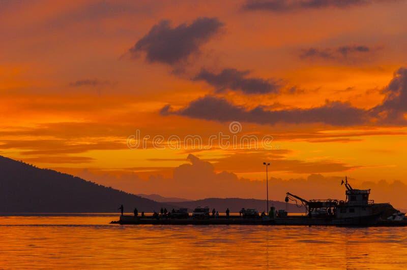 Solnedgång i Akyaka, Mugla, Turkiet arkivfoto