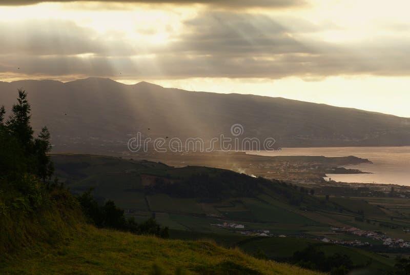 Solnedgång i Azores arkivbild