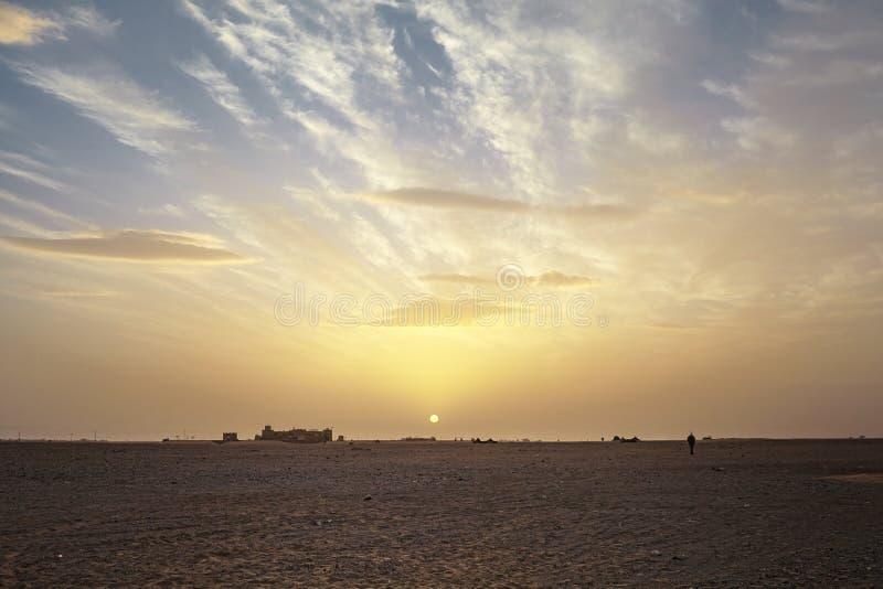 Solnedgång i den Sahara öknen, Zagora, Marocko fotografering för bildbyråer