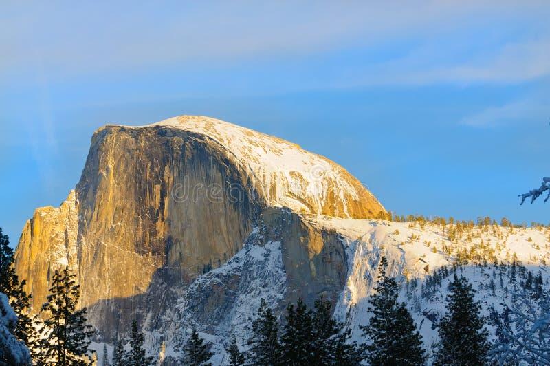 Solnedgång i den Yosemite dalen royaltyfri bild