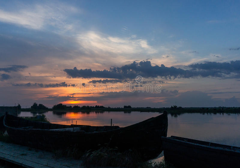 Solnedgång i Donaudeltan arkivbilder