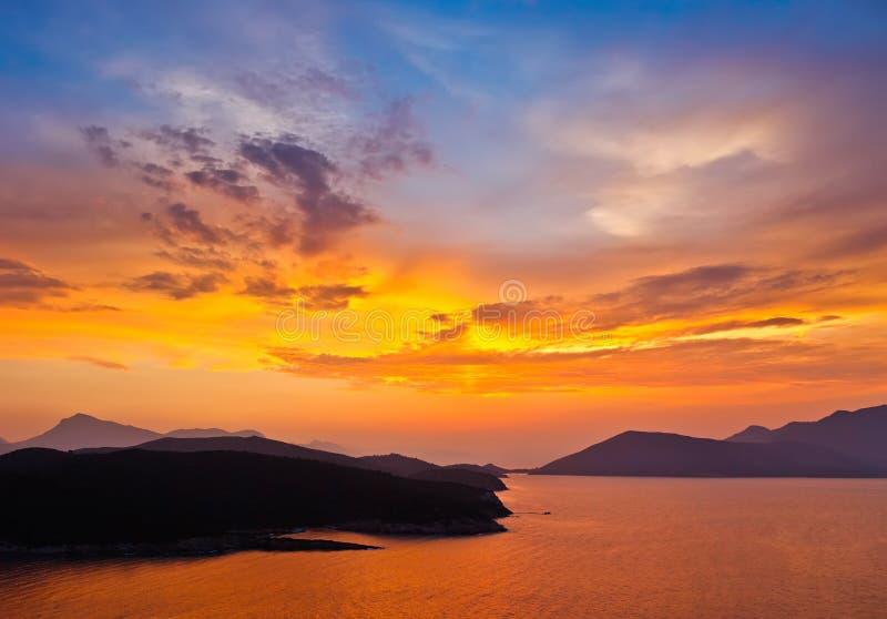 Solnedgång i Grekland royaltyfri fotografi