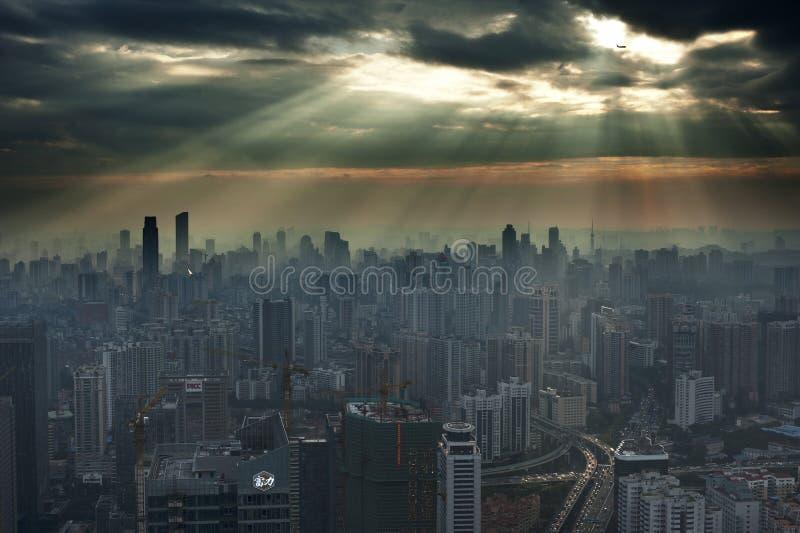 Solnedgång i Guangzhou arkivbilder