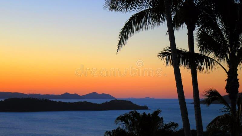 Solnedgång i Hamilton Island arkivbild