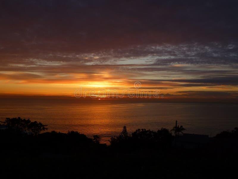 Solnedgång i Laguna Beach, CA arkivbild