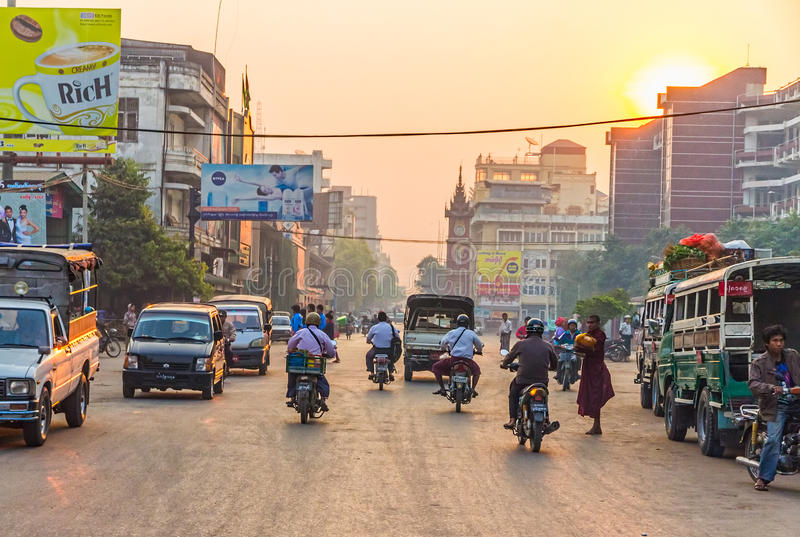 Solnedgång i Mandalay royaltyfri fotografi