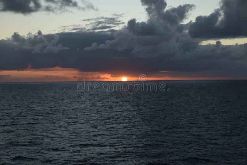 Solnedgång i Nasau royaltyfria bilder