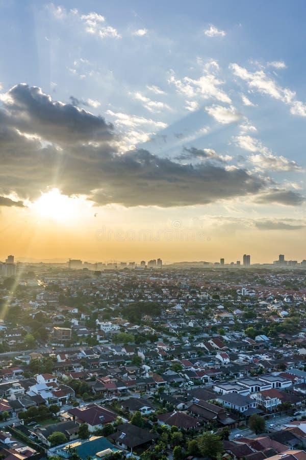 Solnedgång i Petaling Jaya, Selangor, Malaysia arkivbild