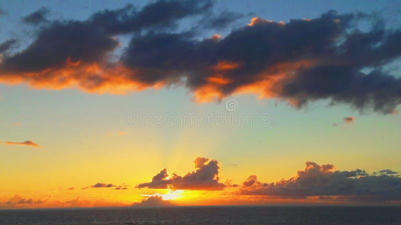Solnedgång i Rapa Nui fotografering för bildbyråer