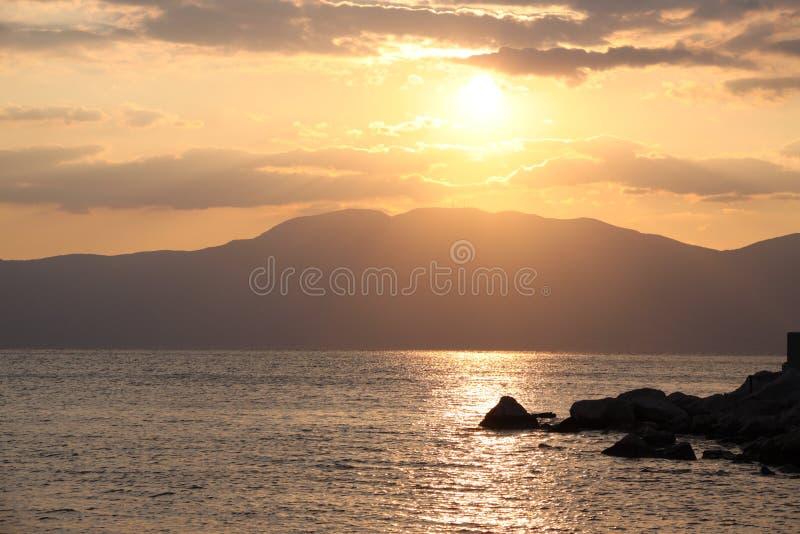 Solnedgång i Rijeka arkivbilder