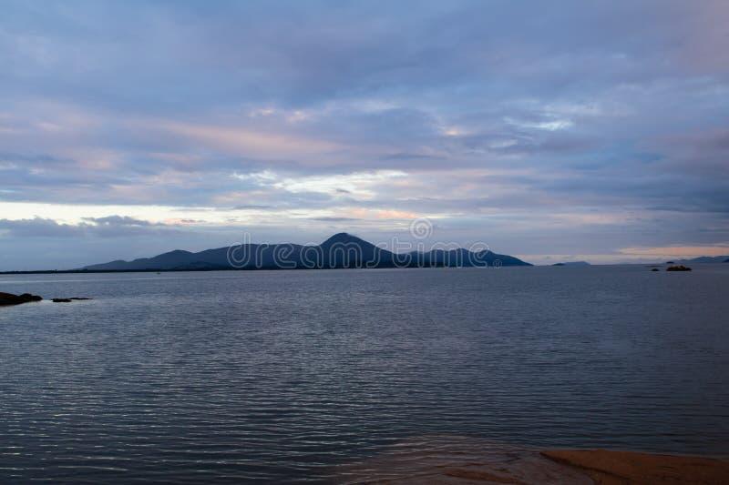 Solnedgång i söder av Brasilien fotografering för bildbyråer