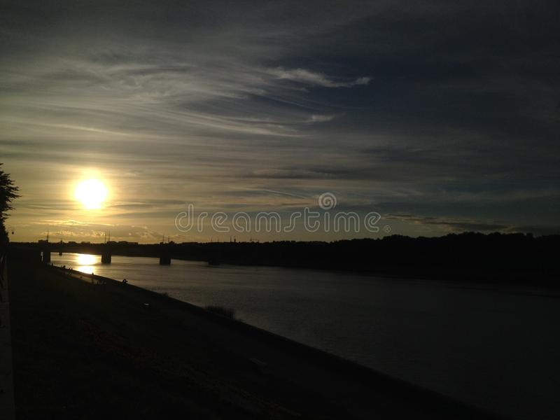Solnedgång i Tver arkivbild