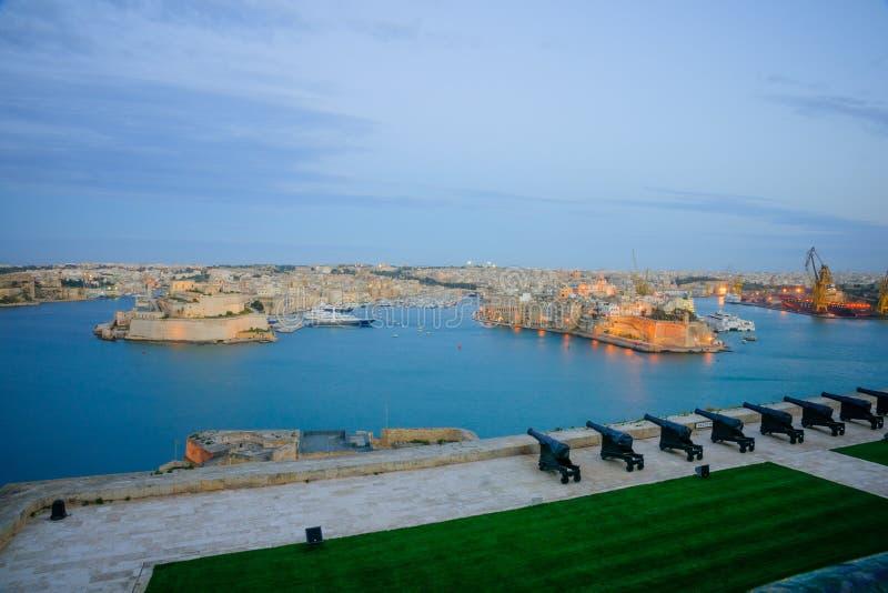Solnedgång i Valletta arkivfoton
