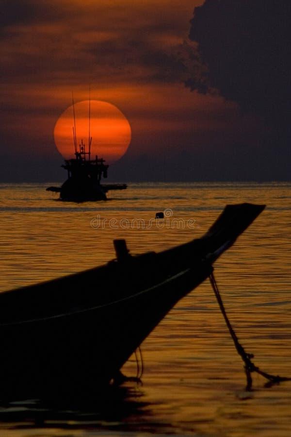 Solnedgång koh tao thailand royaltyfri bild