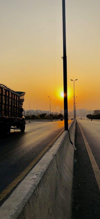 Solnedgång med en härlig sikt arkivbilder