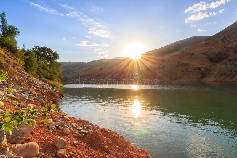 Solnedgång Natur av Uzbekistan arkivbilder