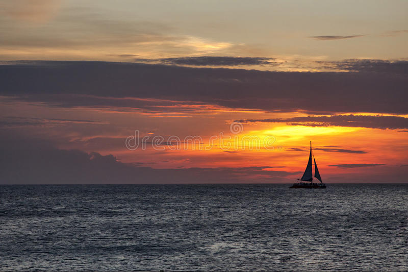 Solnedgång på Aruba royaltyfri fotografi