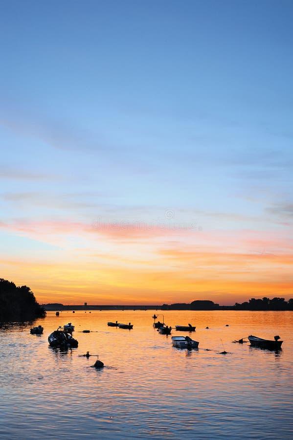 Solnedgång på Danuben royaltyfri fotografi