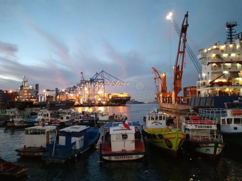 Solnedgång på den Prat skeppsdockan fotografering för bildbyråer