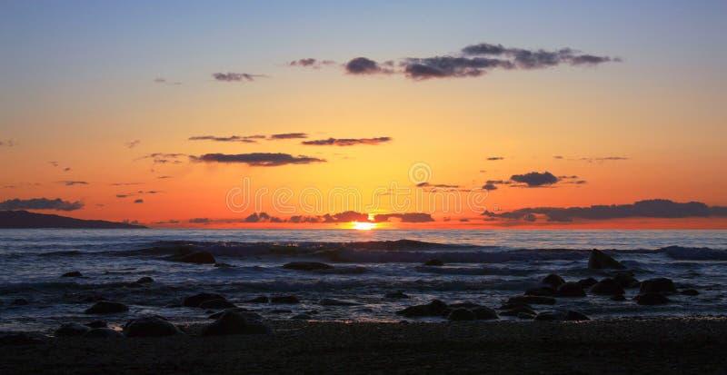 Solnedgång på den Sombrio stranden, Vancouver ö royaltyfri foto