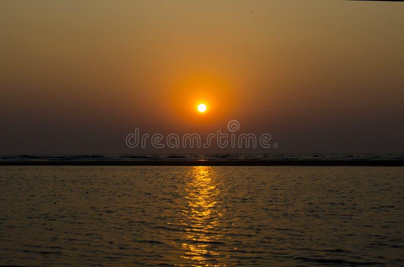 Solnedgång på det indiska havet GOA royaltyfri fotografi