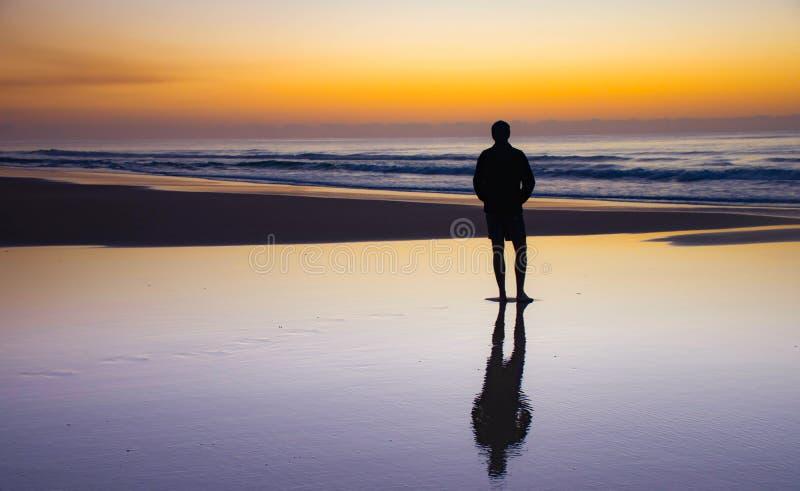 Solnedgång på Fraser Island, Queensland, Australien royaltyfri fotografi