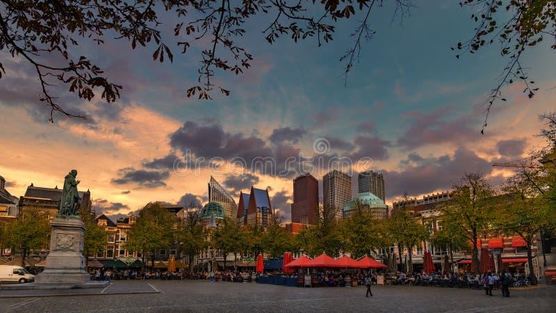 Solnedgång på Haag, Plein ställe arkivfoto