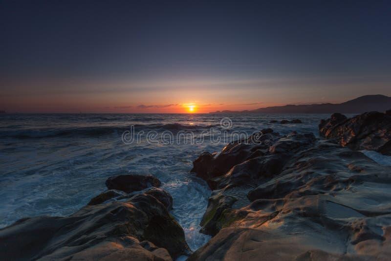 Solnedgång på horisonten royaltyfri fotografi
