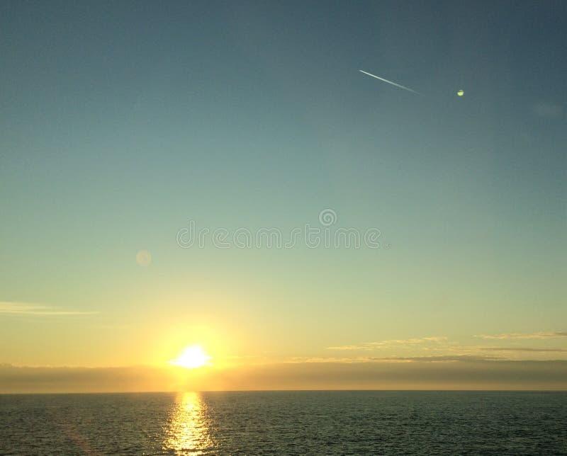Solnedgång på James River Virginia royaltyfria bilder
