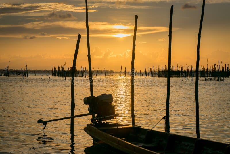 Solnedgång på kohyoen arkivbild