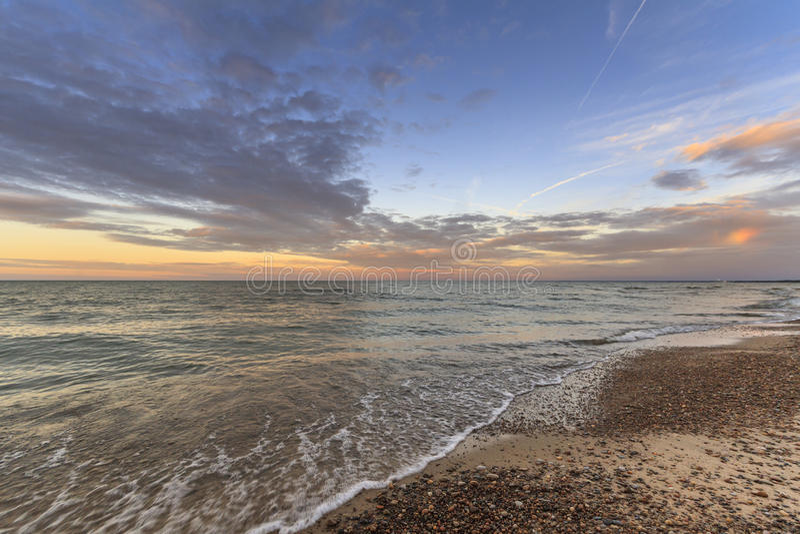 Solnedgång på Lake Erie fotografering för bildbyråer