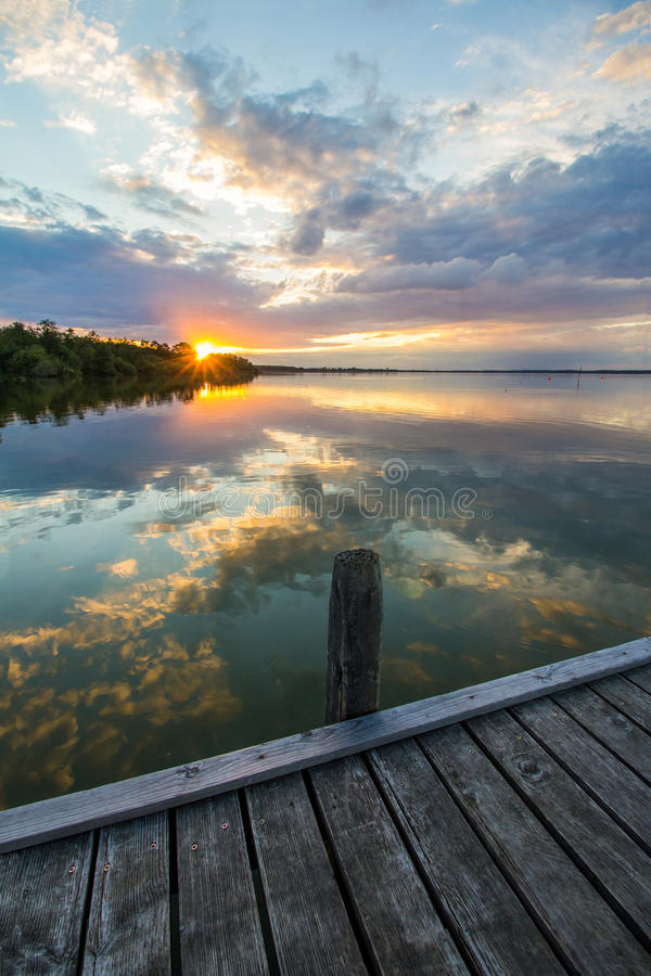 Download Solnedgång på laken arkivfoto. Bild av atlantiska, morgon - 76700406