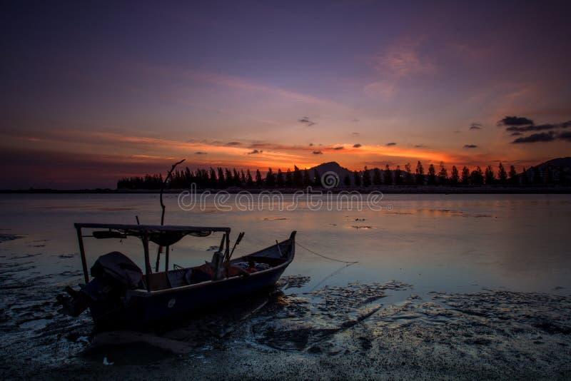 Solnedgång på Lumut, Malaysia arkivfoto