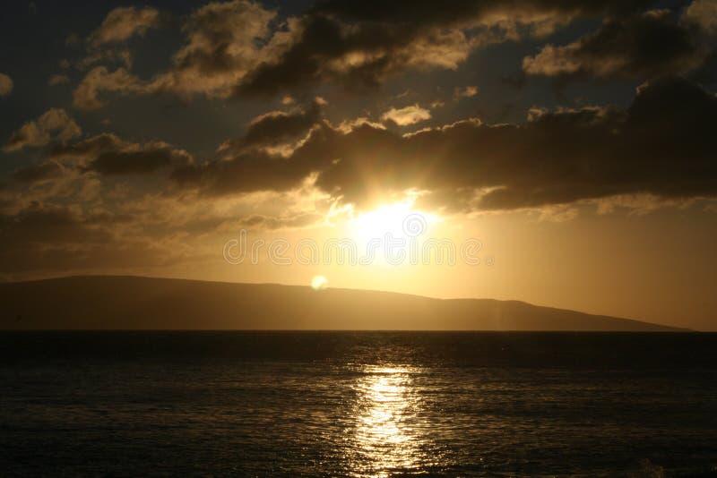 Solnedgång på Makena Beach arkivfoto