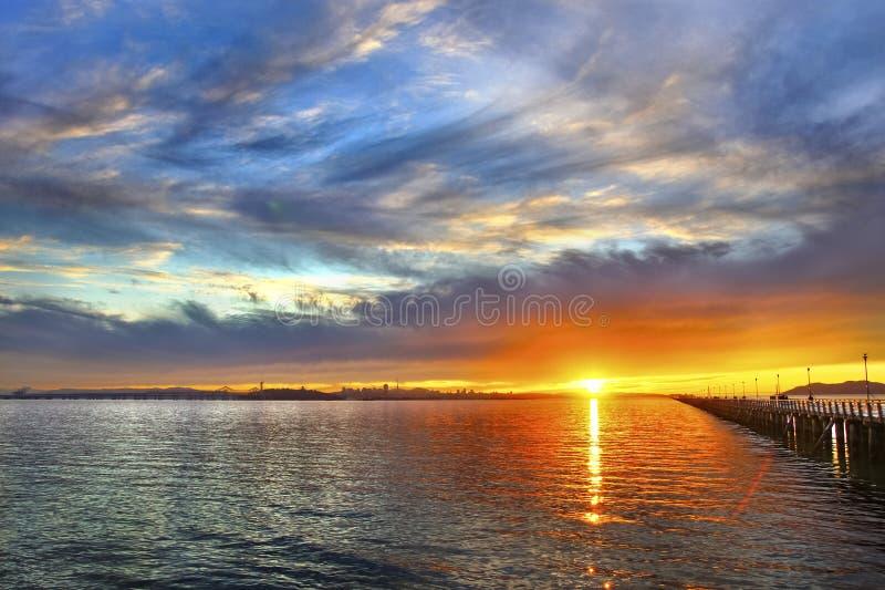 Solnedgång på marina royaltyfria foton