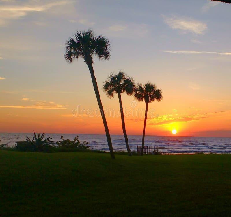 Solnedgång på nya Smyrna arkivbilder