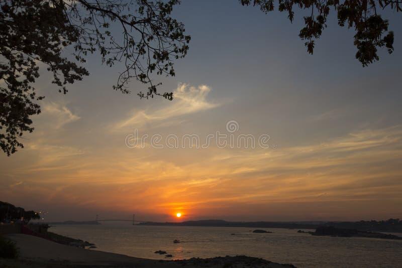 Solnedgång på Orinocoet River, Ciudad Bolivar, Venezuela arkivbild