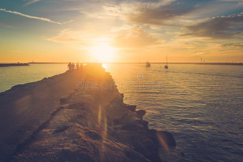 Solnedgång på Playa Del Rey arkivfoton