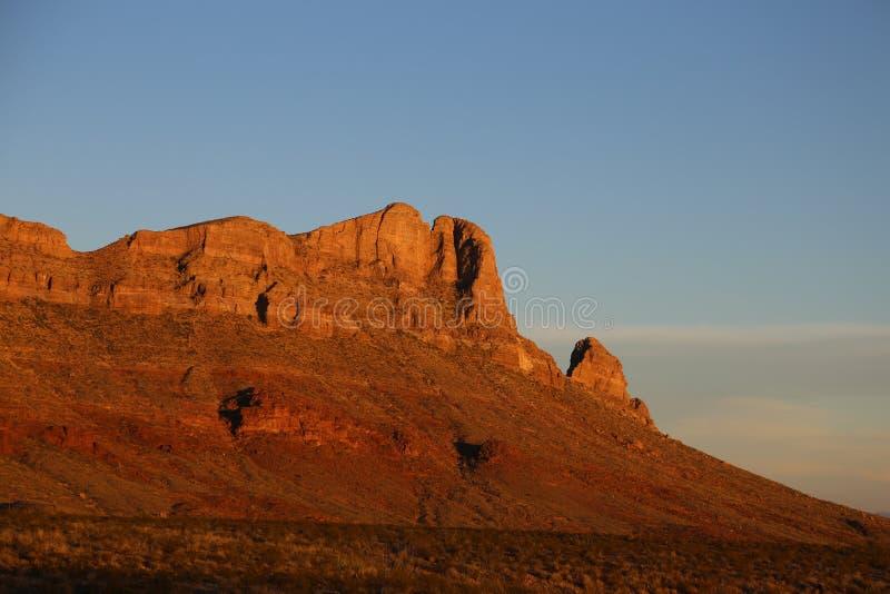 Solnedgång på ranchen royaltyfri foto