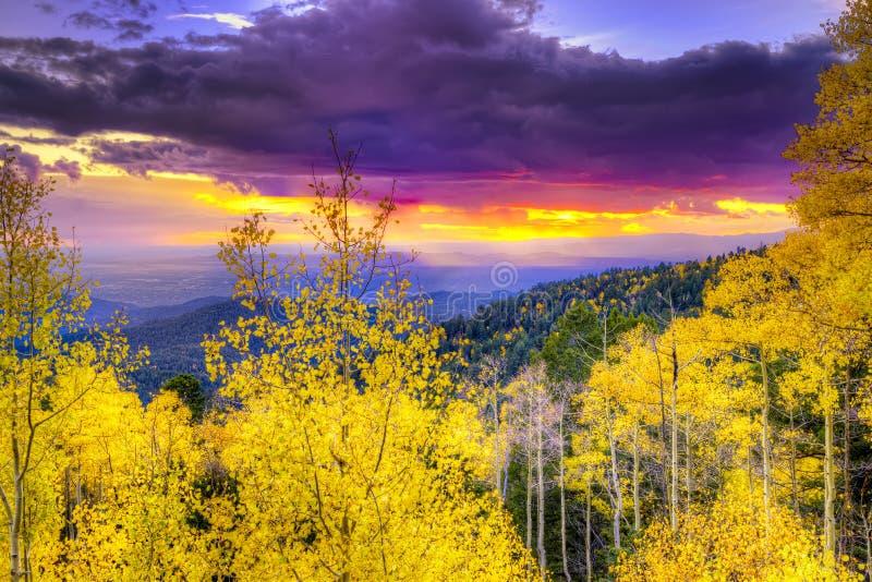 Solnedgång på Santa Fe Ski Basin royaltyfria bilder