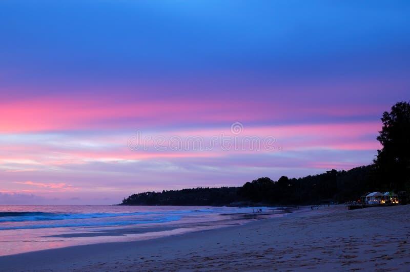 Download Solnedgång På Stranden Av Indiska Oceanen Arkivfoto - Bild av härlig, sommar: 27284936