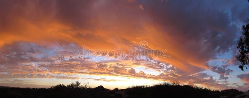 Solnedgång på uddeområdenationalparken, västra Australien royaltyfria bilder