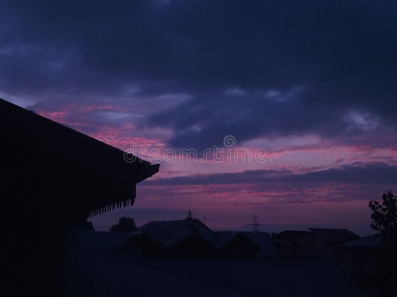 Solnedgång som skjutas från telefonkamera fotografering för bildbyråer
