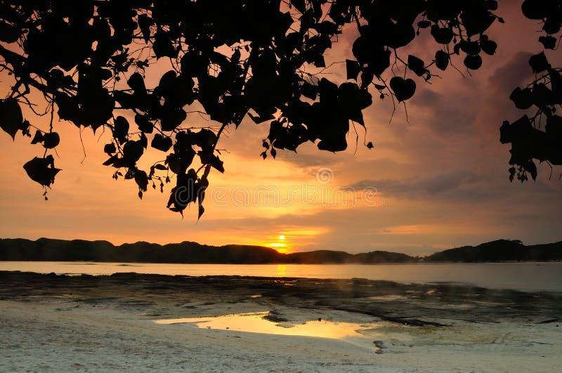 Solnedgång Tanjung Aan arkivbilder