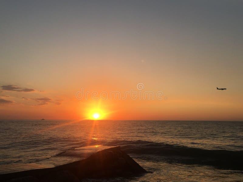 Solnedgångar i luften royaltyfri fotografi