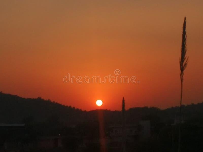 Solnedgångberg arkivbild