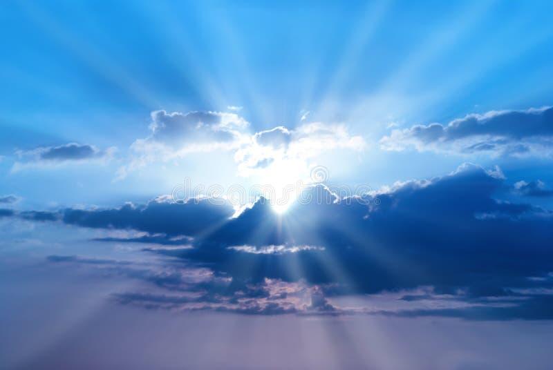 Solnedgången är härlig blå himmel royaltyfri fotografi