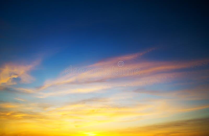 Solnedgånghimlar fotografering för bildbyråer