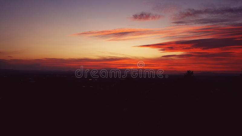 Solnedgånghimmel Hisar arkivfoto