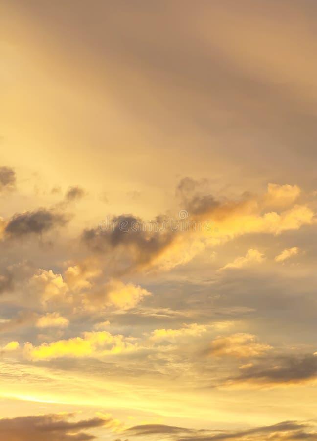 Solnedgånghimmelbakgrund royaltyfria foton